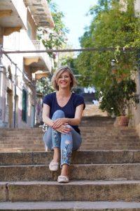 Beatrice auf den St. Nicolas Stairs in Beirut